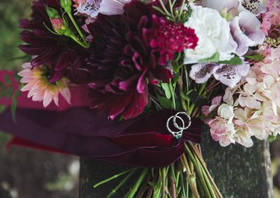 only-flowers-and-horses-equine-wedding-editorial-katie-mortimore-photography-3